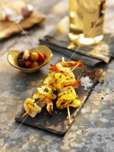 Prawn skewers with vegetables (Spain)
