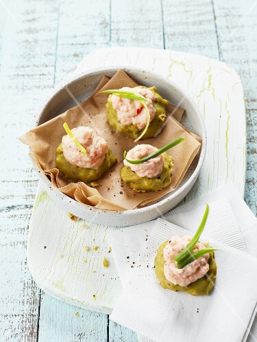 Avocado rolls with a spicy prawn mousse