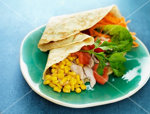 Crêpe with sweetcorn, vegetables and chicken