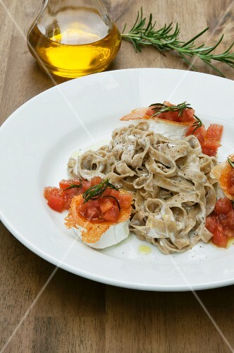 Mushroom tagliatelle with goat's cheese and rosemary