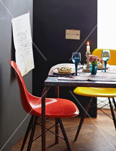 gedeckter tisch f r zwei bild kaufen 11292388 stockfood. Black Bedroom Furniture Sets. Home Design Ideas