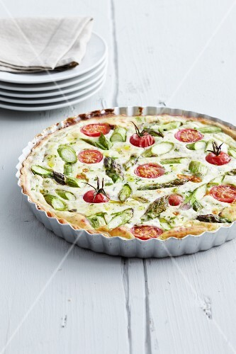Asparagus tart with cherry tomatoes