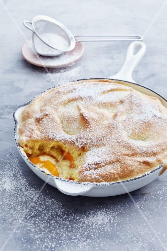 Vanilla soufflé with apricots