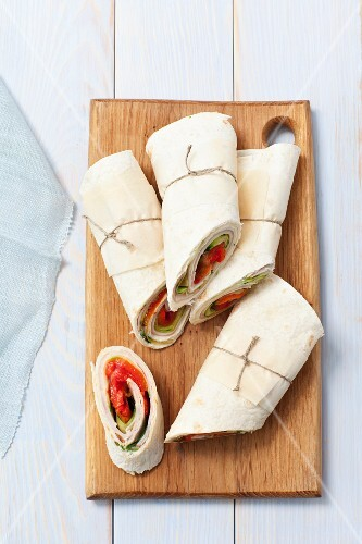 Ham, cheese and tomato wraps