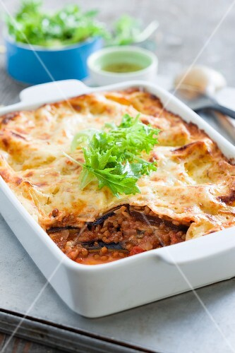 Vegetarian lasagne with lentils