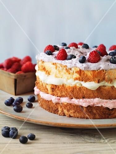 Angel cake with fresh berries