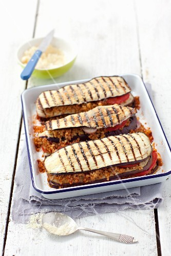 Aubergine lasagne with bulgur and tomatoes