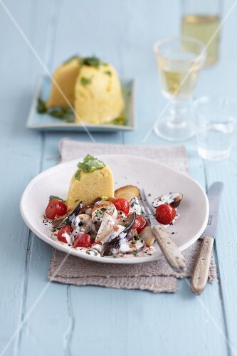 Lemon polenta with creamy mushrooms