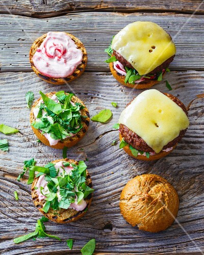 Field and forest burgers: burgers with herbs and lingoberry cream