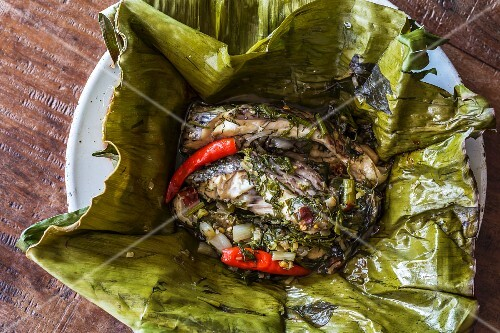 Mok pla (fish with herbs in a banana leaf, Laos)