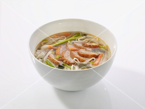 Rice noodle soup with duck (China)