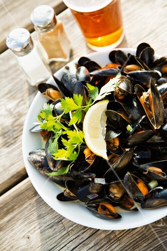 Mussels at The Halzephron Inn (Cornwall, England)