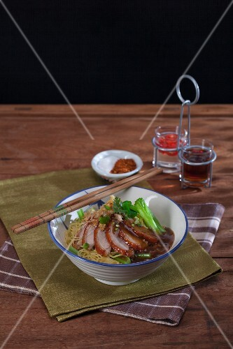 Bami Haeng Pet Yang – fried duck with noodles and source (Thailand)