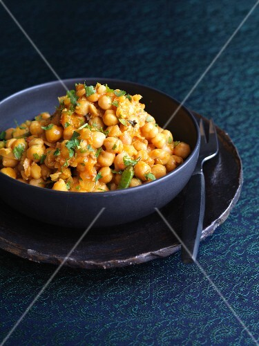 Spicy chickpea curry (India)