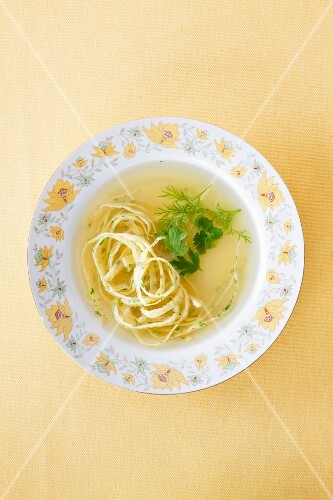 Consommé with noodles