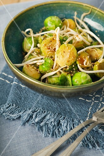 Brussels sprouts with sesame seeds