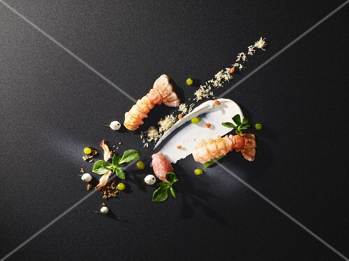 Langoustine variations with avocado oil, almond cream, crispy ginger and roasted almonds (flavour pairing)