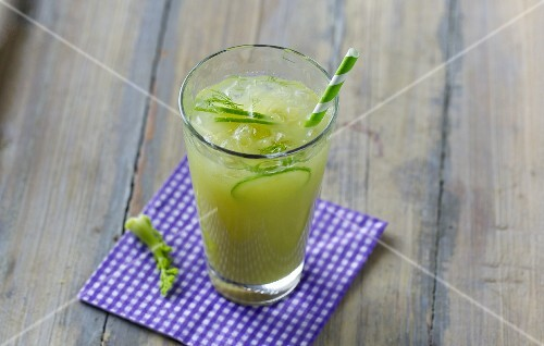 A green vegetable drink made with celery, fennel, rocket and cucumber