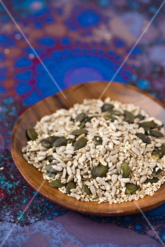 A mixture of various seeds (sunflower seed, pumpkin seeds, sesame seeds and cashews)