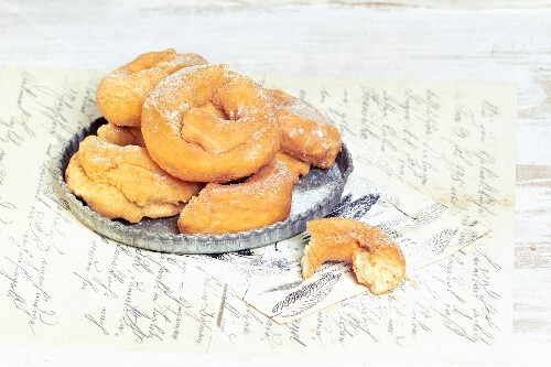 Rosquilles (deep-fried pastries, Spain)