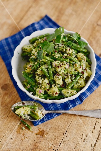 Green potato salad with beans (Portugal)