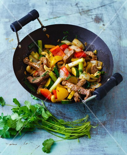Stir-fried Thai vegetables and beef