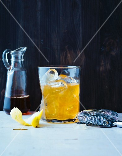 Philadelphia Fish House Punch (fruit cocktail made with rum and Cognac)