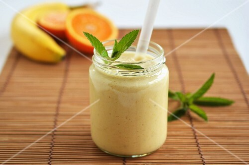 A smoothie made from oranges and bananas with curry