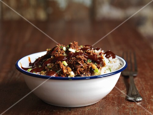 Rice with pulled pork and barbeque sauce (USA)