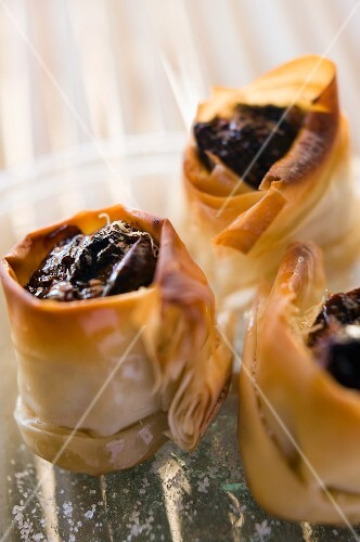 Dates in filo pastry