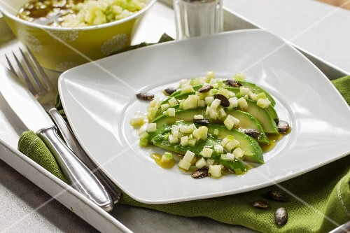 Avocado with celery and green apples