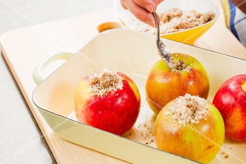 Baked apples with figs, nuts and dates