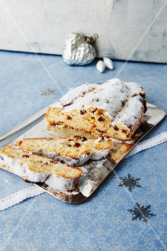 Vegan quark stollen with marzipan