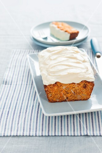 Carrot and muesli cake with cream cheese frosting