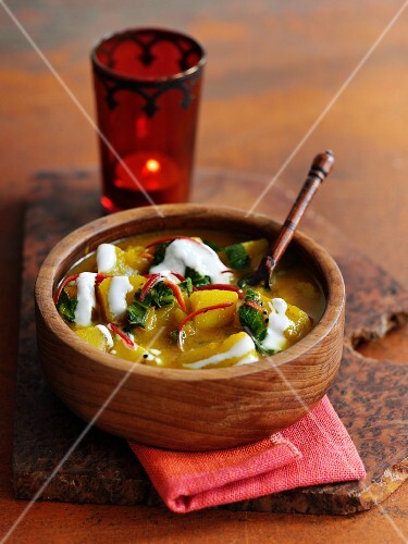 Indian potato soup with yoghurt