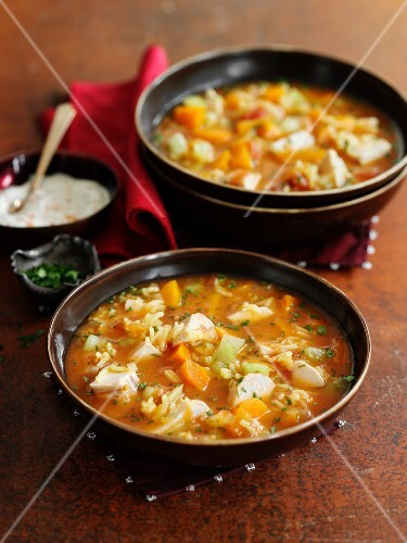 Mulligatawny (curry soup with chicken and vegetables, England)