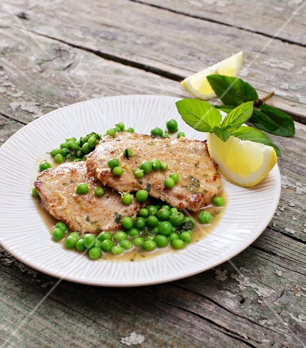 Veal escalopes with mint peas and a wine sauce