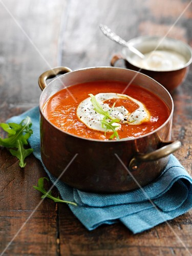 Cream of red pepper soup with creamy horseradish