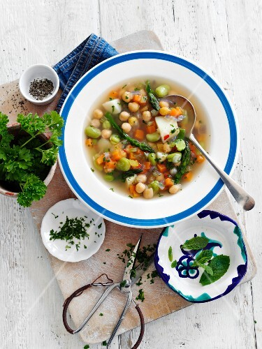 Vegetable soup with chickpeas and herbs