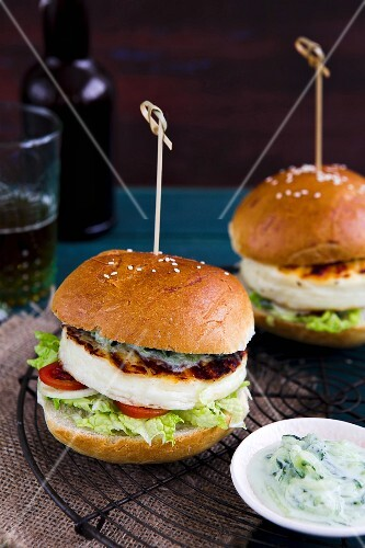 Grilled halloumi burgers with tzaziki