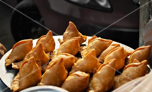 Fresh samosas (stuffed, fried pastry parcels, India)