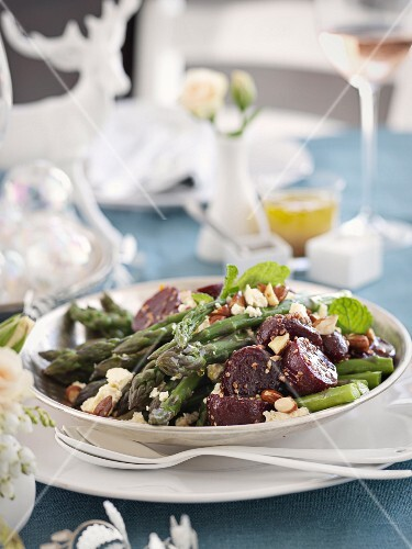 Beetroot salad with asparagus (Christmas)