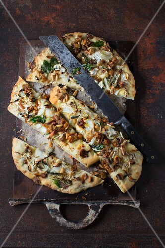 Focaccia with fennel and figs