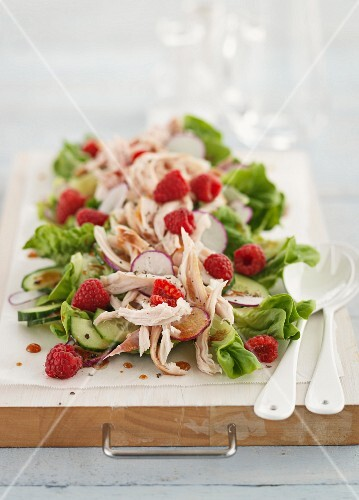 Chicken salad with raspberry and radishes