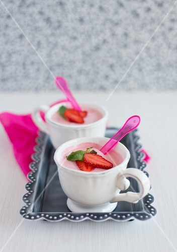 Two cups of strawberry mousse