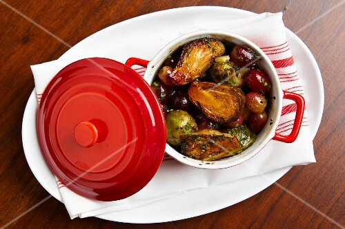 Brussels spouts with red grapes