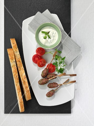 Kofta with mint yoghurt and unleavened bread