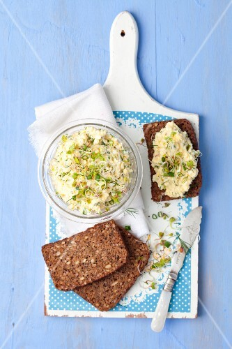 Egg spread with radish sprouts, dill and chives