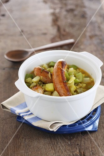 Vegetable stew with sausages