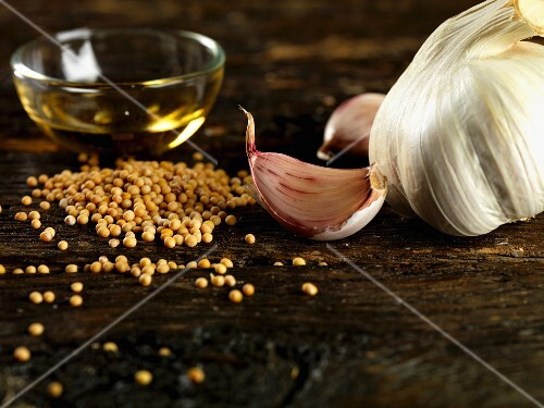Garlic, mustard seeds and olive oil